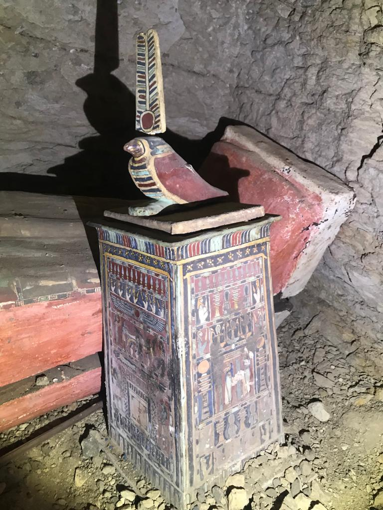 Egypt to announce discovery of 100 more coffins in Saqqara - EgyptToday