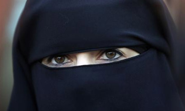 Woman in Niqab - REUTERS/Stephane Mahe
