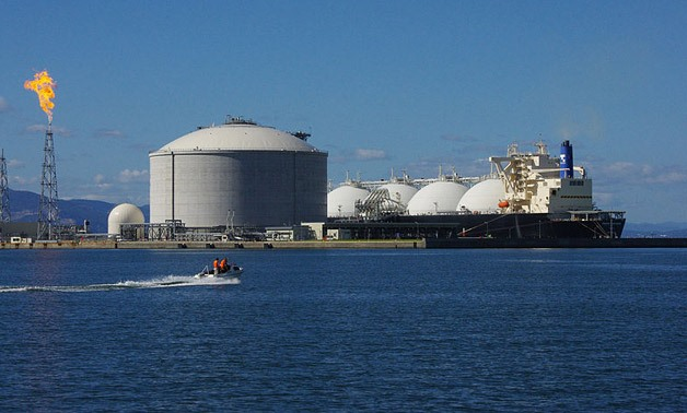 LNG carrier- とまりん♪ via Wikimedia Commons