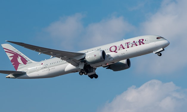 A Qatar Airways Boeing 787-8 – CC by Julian Herzog