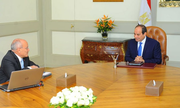President Abd al Fattah al Sisi during his meeting with Minister Mohamed Saeed al Assar - press photo