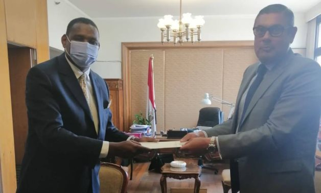 New Ethiopian Ambassador to Egypt Markos Tekle Rike (L) on Thursday presented his credentials to the Egyptian Foreign Ministry – Courtesy of the Ethiopian Embassy