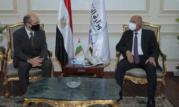 Transportation Minister Kamel el Wazir held talks late Tuesday with Hungary's new ambassador in Cairo - Press photo