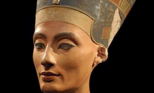 The stolen Nefertiti head statue - ET