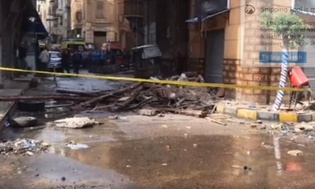 The partially-collapsed building in Gomrok district - screenshot/Alexandria governorate's office