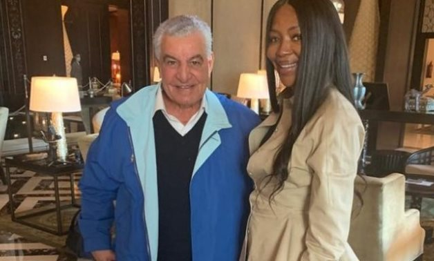 Hawass with supermodel Naomi Campbell during her visit to Cairo - Press photo