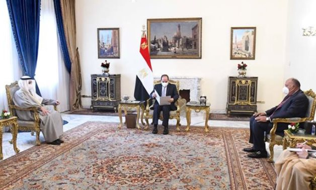 Egyptian President Abdel Fattah El Sisi received a letter from Kuwait's Emir Sheikh Nawaf Al-Ahmad Al-Sabah, as he met on Saturday with the Kuwaiti foreign minister, Sheikh Ahmed Nasser Al-Sabah. - Presidency