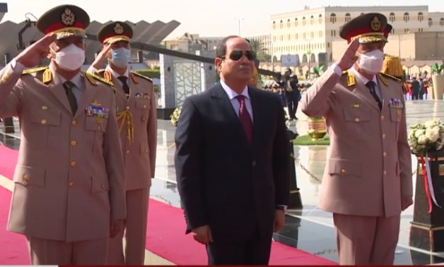 Sisi lays a wreath of flowers at Unknown Soldier Memorial on April 25, 2021 - Youtube still