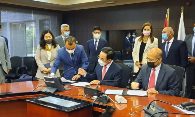 Egypt's Ministry of Transportation, the Ministry of Planning, and the National Egyptian Railway Industries Company signed a Memorandum of Understanding (MoU) with South Korean Hyundai Rotem - press photo