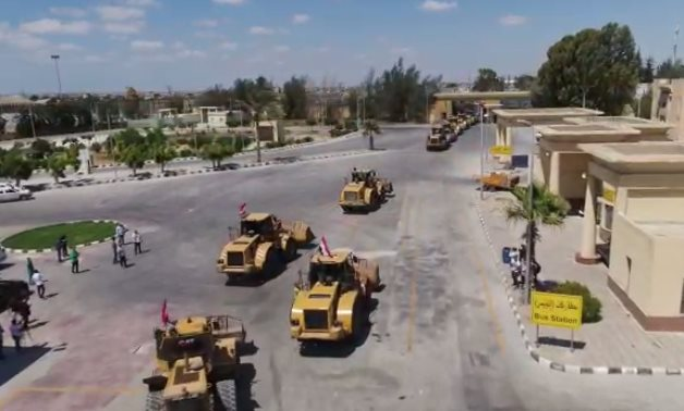 Egyptian engineering equipment and staff has crossed to the Gaza Strip through the Rafah crossing - Extra News/screenshot