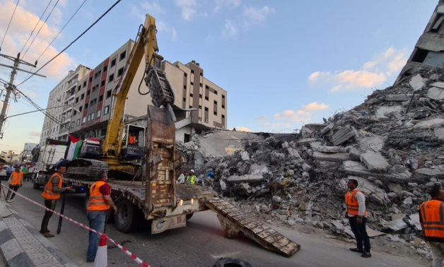 Misr Sinai Company sent engineering and technical equipment and crews to Gaza Strip to help remove the remains of the rubble, and start reconstruction works