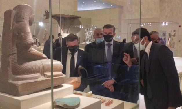 Bańka during his visit to the NMEC - Min. of Tourism & Antiquities