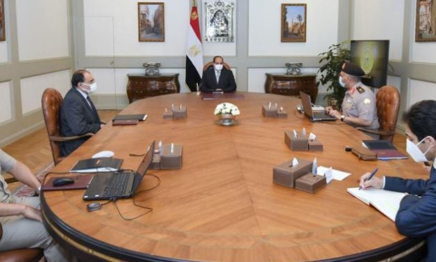 President Sisi meeting with Armed Forces Engineering Authority members -  press photo