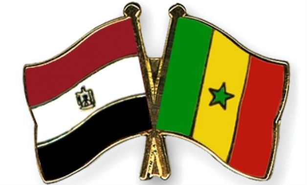Flags of Egypt and Senegal - Crossed Flag-pins