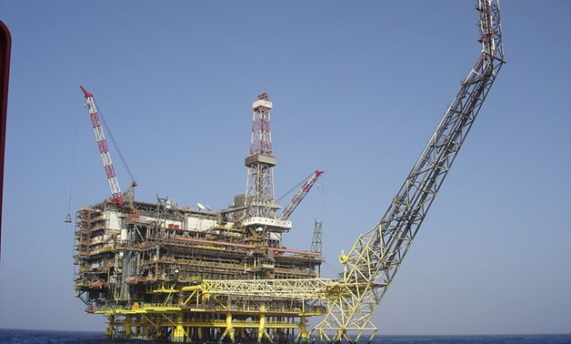 ENI Oil platform Bouri DP4- Cipiota via Wikimedia Commons