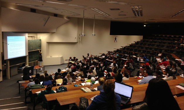 Social Science lecture theatre class – Courtesy of Wikimedia commons/ Discott