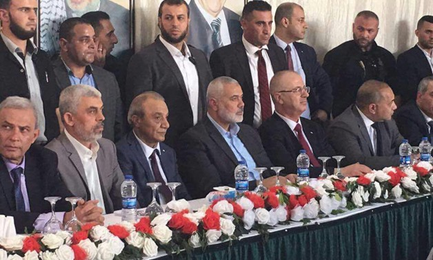 Palestinian Consensus Government Prime Minister, Ramy al-Hamdallah, Hamas Movement Head in Gaza, Yehya al-Senwar and Head of Hamas movement Ismail Hanya together during lunch on Monday – Press photo