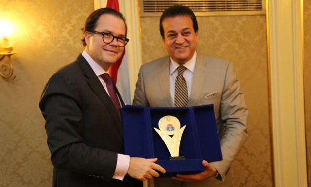 Joint meeting between minster of higher education and French ambassador to Egypt