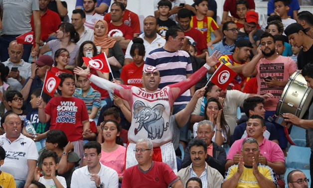African Nations Cup qualifiers - Tunisia v Egypt - Rades Olympic stadium in Tunis ,Tunisia - 11/06/2017 - Fans of Tunisia cheer during the game - Reuters