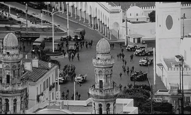 Screencap from the trailer for The Battle of Algiers showing an overrun Algeria, November 25, 2017 - precija on Youtube