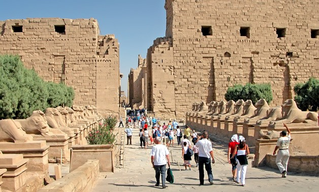 Tourists visiting the Karnak Temple in Luxor - Flickr