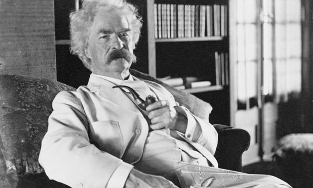 Photograph of Mark Twain – Pixabay/ Skeeze