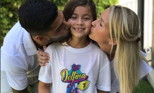 Suarez and Sofia kiss their eldest daughter during her Birthday – Suarez's official Instagram account