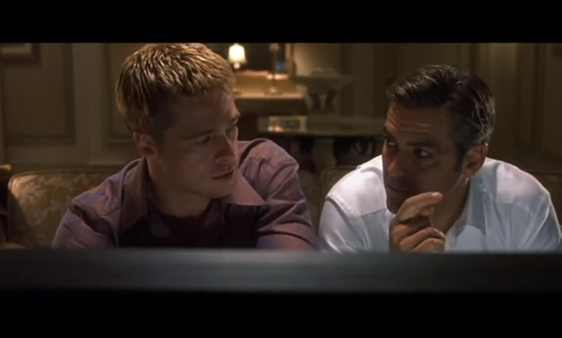 Screencap of Brad Pitt and George Clooney in the trailer for Ocean's Eleven (2001) – MovieStation/Youtube