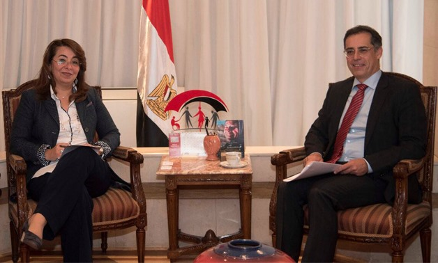 (L) Social Solidarity Minister Ghada Wali, (R) Swiss Ambassador to Cairo Paul Garnier – Press photo