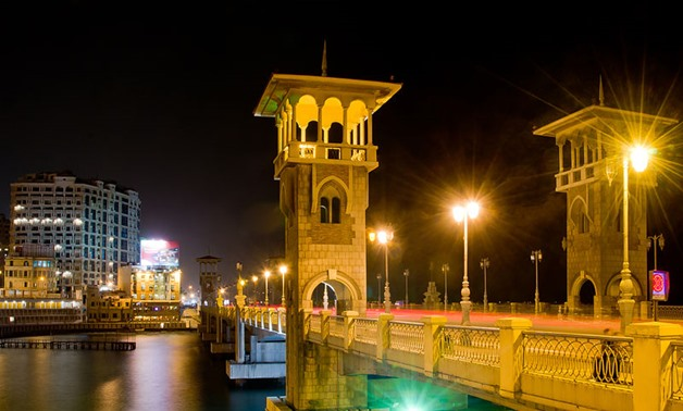 Stanley Bridge at night in Alexandria – Egypt, May 5, 2013 – Wikimedia/ jaguargji