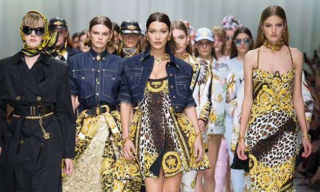 Versace Spring Summer 2018 Women's Fashion Show – Official Versace Facebook Page
