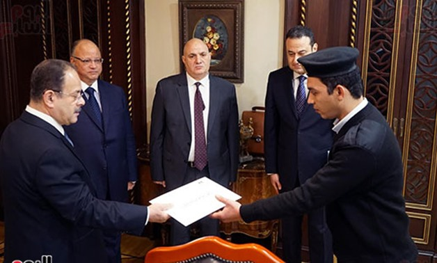 Interior Min. honors security guards of Helwan church – Press photo