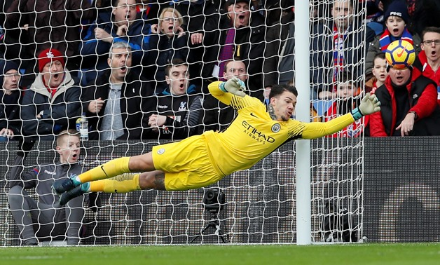Soccer Football - Premier League - Crystal Palace vs Manchester City - Selhurst Park, London, Britain - December 31, 2017 Manchester City's Ederson in action REUTERS/David Klein