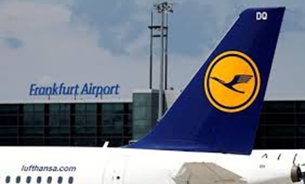 FILE PHOTO: Planes of German air carrier Lufthansa AG on the tarmac at Fraport airport in Frankfurt, Germany, June 7, 2016. REUTERS/Kai Pfaffenbach