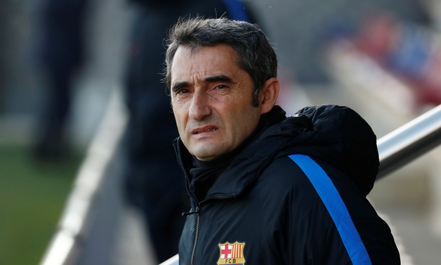 Soccer Football - Barcelona Training - Ciutat Esportiva Joan Gamper, Barcelona, Spain - December 22, 2017 Barcelona coach Ernesto Valverde during training REUTERS/Juan Medina