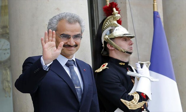 Saudi Arabian Prince Al-Waleed bin Talal arrives at the Elysee palace in Paris, France, to attend a meeting with French President, September 8 , 2016 - REUTERS/Philippe Wojazer/File photo