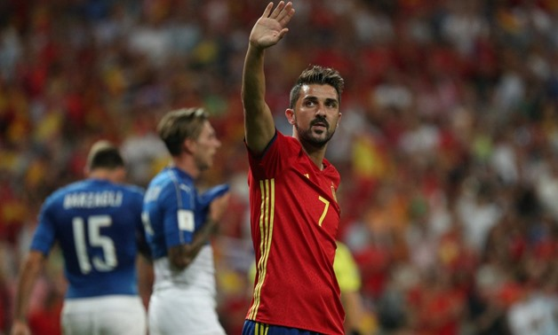 Soccer Football - 2018 World Cup Qualifications - Europe - Spain vs Italy - Madrid, Spain - September 2, 2017 Spain's David Villa gestures to fans after the game REUTERS/Sergio Perez.
