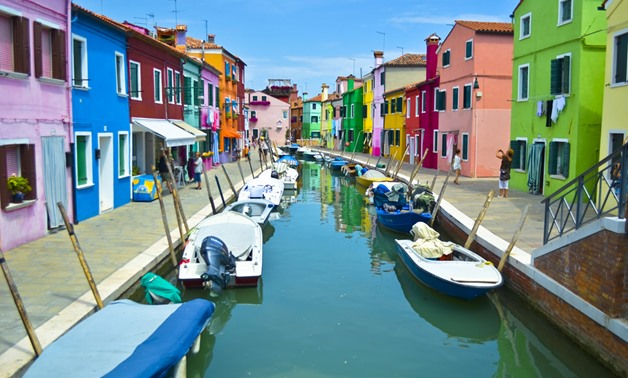 Burano Island's colorful houses, canal and fishing boats July 25, 2012 – Flickr / David Monroy