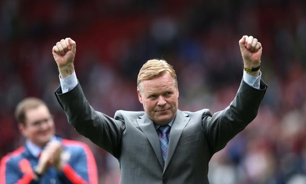 Britain Soccer Football - Southampton v Crystal Palace - Barclays Premier League - St Mary's Stadium - 15/5/16 Former Southampton manager Ronald Koeman acknowledges fans at the end of the match Action Images via Reuters / Paul Childs/ Livepic/ Files