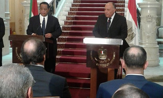 Egyptian Foreign Minister Sameh Shoukry (R), Sudanese Foreign Minister Ibrahim Ghandour during a joint press conference in Cairo on Feb. 8, 2018 - Press photo