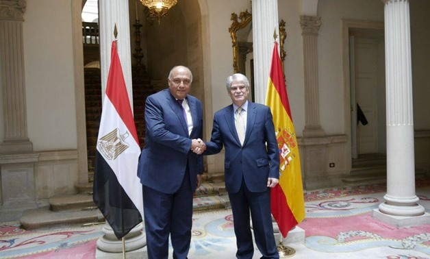 Egypt's Foreign Minister Sameh Shoukry (L) with his Spanish counterpart Alfonso Dastis Quecedo (R) in Madrid on Feb. 14, 2018 - Press photo