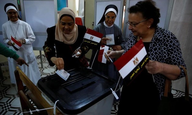 Egyptians cast their votes at a polling station during the presidential election in Cairo, Egypt, March 26, 2018. REUTERS/Amr Abdallah Dalsh