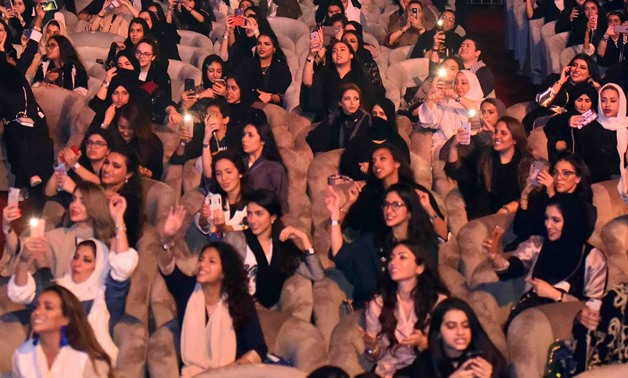 Saudi audiences at Tamer Hosny's first concert – Egypt Today