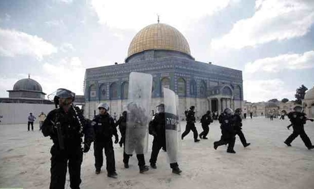 Israeli forces outsie Aqsa Mosque - AFP