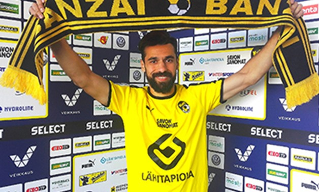 Abdallah el-Said with Kuopion Palloseura's shirt – Press image courtesy of Kuopion Palloseura's official website