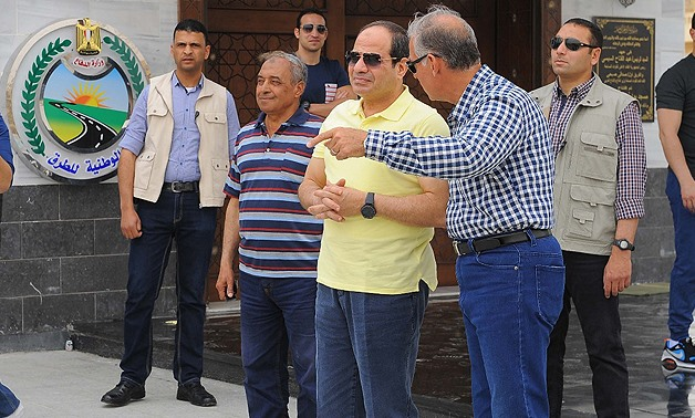 President Abdel Fatah al-Sisi inspected the ongoing expansion works of the Cairo-Ain Sokhna Road – Egypt Today