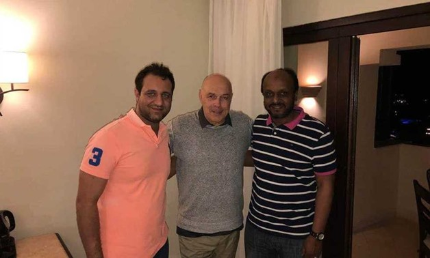Christian Gross with Ismail Youssef and Ahmed Mortada Mansour – Courtesy of Zamalek's official website