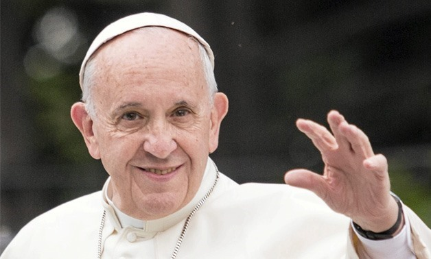 Pope Francis arrives in Cairo for 2-day visit