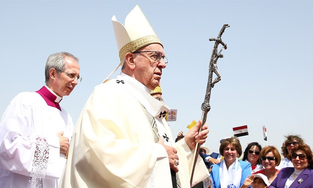 UPDATED: Pope Francis leads holy mass on 2nd day of Cairo visit