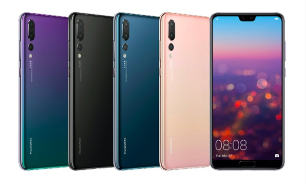 The Huawei P20 Pro features the absolute best battery at a huge 4,000 mAh, it can last for up to 50 hours.